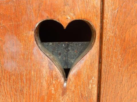 wood-heart-door-organ-976694 (1).jpg
